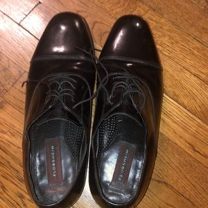 EUC Black leather shoes